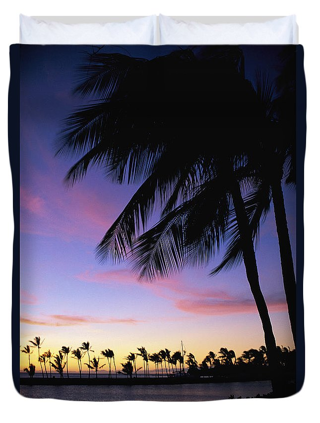Anaeho'omalu Duvet Cover featuring the photograph Anaehoomalu Bay by Peter French - Printscapes