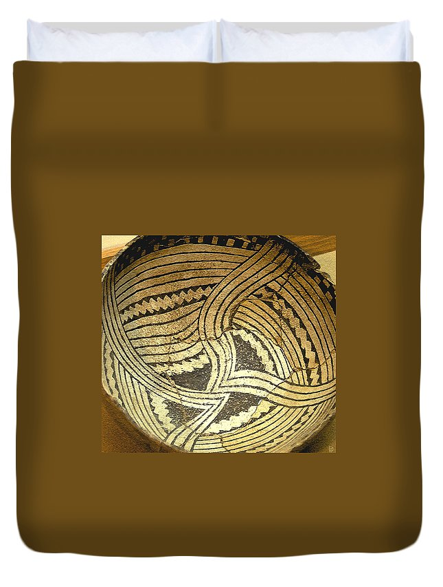 Anasazi Duvet Cover featuring the painting Anasazi Pot by David Lee Thompson