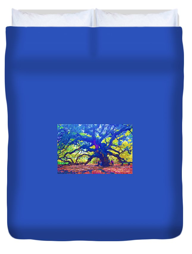 Tree Duvet Cover featuring the photograph Angel Oak Tree by Donna Bentley
