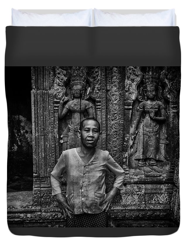 Angkor Duvet Cover featuring the photograph Angkor Wat Temple Nun by David Longstreath