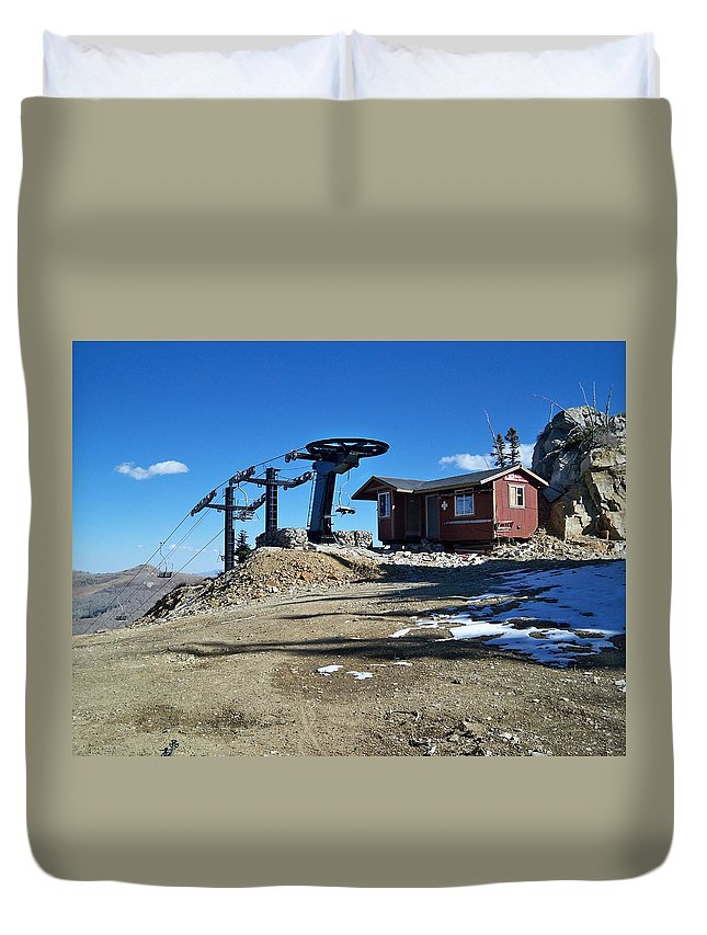 Landscape Duvet Cover featuring the photograph Anticipation by Michael Cuozzo