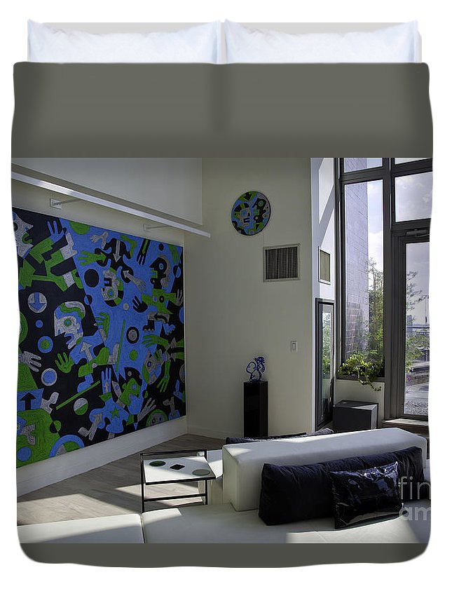 Apartment Duvet Cover featuring the photograph Apartment In Dumbo by Madeline Ellis