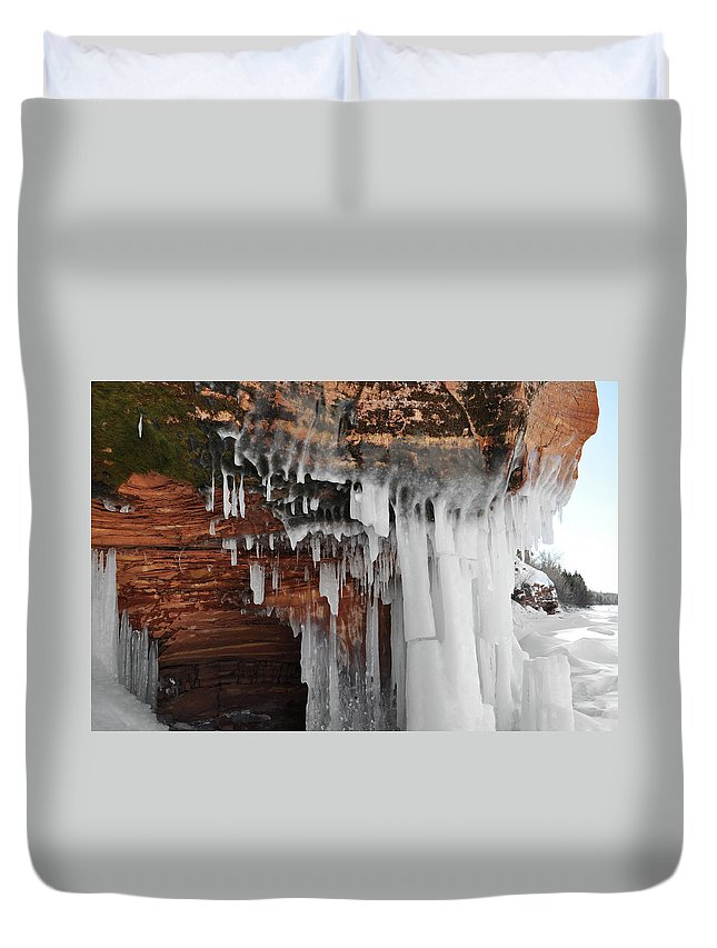 Apostle Islands National Lakeshore Duvet Cover featuring the photograph Apostle Islands Icicles by Kyle Hanson