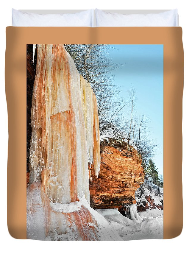 Apostle Islands National Lakeshore Duvet Cover featuring the photograph Apostle Islands Waterfall Portrait by Kyle Hanson