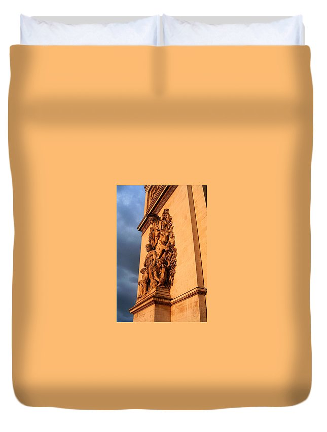Europe Duvet Cover featuring the photograph Arc De Triomphe by Juergen Weiss