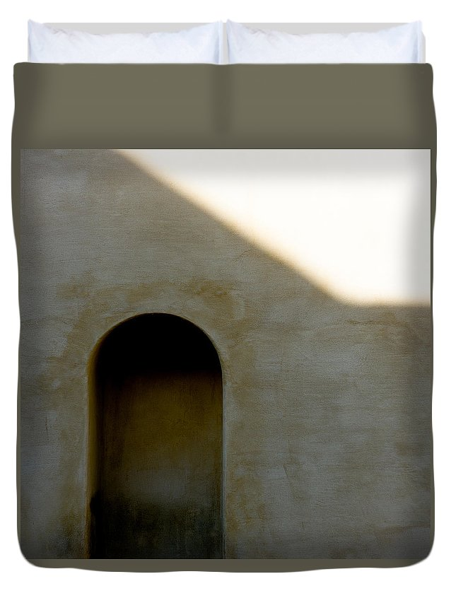 Shadow Duvet Cover featuring the photograph Arch In Shadow by Dave Bowman