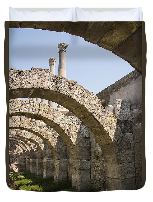 Izmir Duvet Cover featuring the photograph Arches And Columns by Bob Phillips