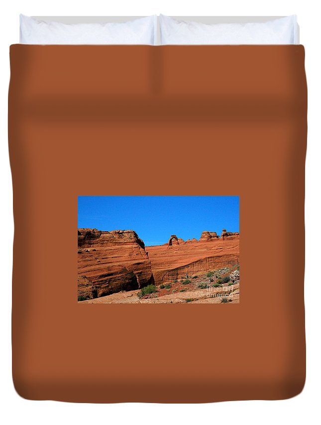 Arches National Park Duvet Cover featuring the painting Arches National Park, Utah Usa - Delicate Arch by Corey Ford