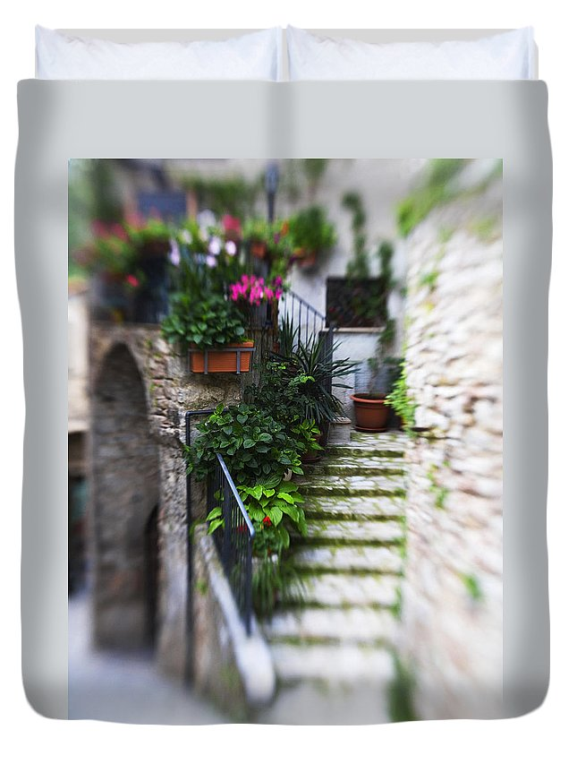 Italy Duvet Cover featuring the photograph Archway And Stairs by Marilyn Hunt
