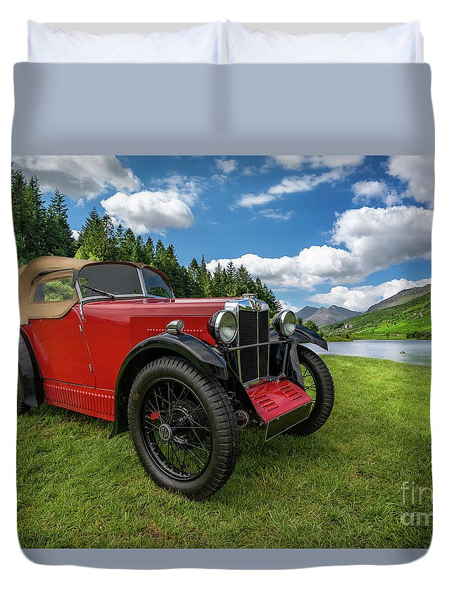 British Duvet Cover featuring the photograph Arriving In Style by Adrian Evans