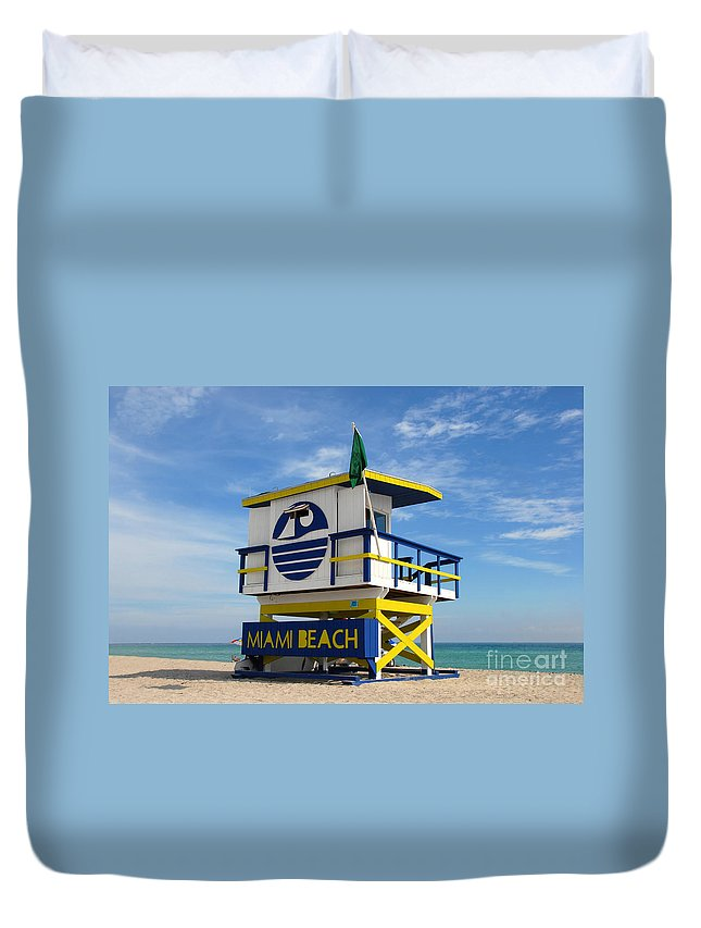 Miami Beach Duvet Cover featuring the photograph Art Deco Lifeguard Stand by David Lee Thompson