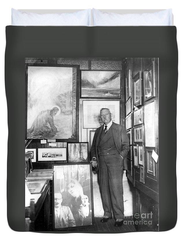 1928 Duvet Cover featuring the photograph Arthur Conan Doyle by Granger
