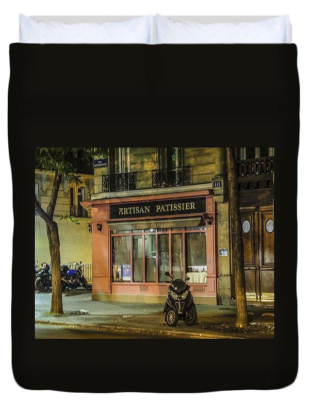 Artisan Patissier Duvet Cover featuring the photograph Artisan Patissier Montmartre Paris by Sally Ross