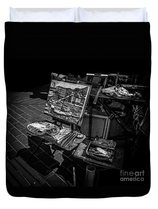 Black And White Duvet Cover featuring the photograph Artist's Easel At Street Market In Nice, France by Liesl Walsh