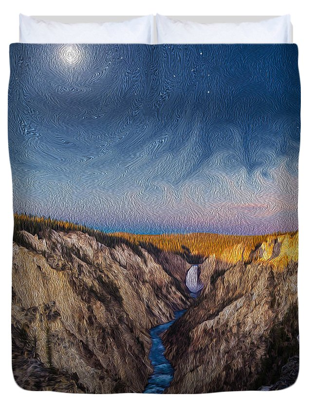 Moon Duvet Cover featuring the photograph Artist's Point Sunrise by Mikeal Beland