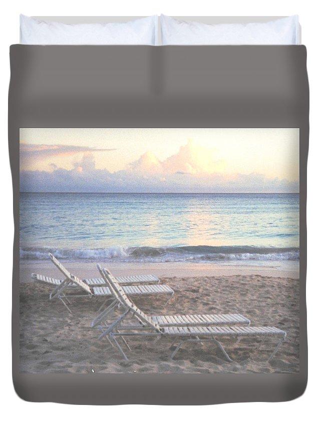 Aruba Duvet Cover featuring the photograph Aruba Beach by Ian MacDonald