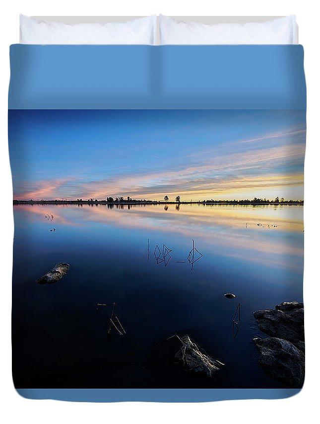 Jon Evan Glaser Duvet Cover featuring the photograph Ashurst Lake Sunrise by Jon Glaser