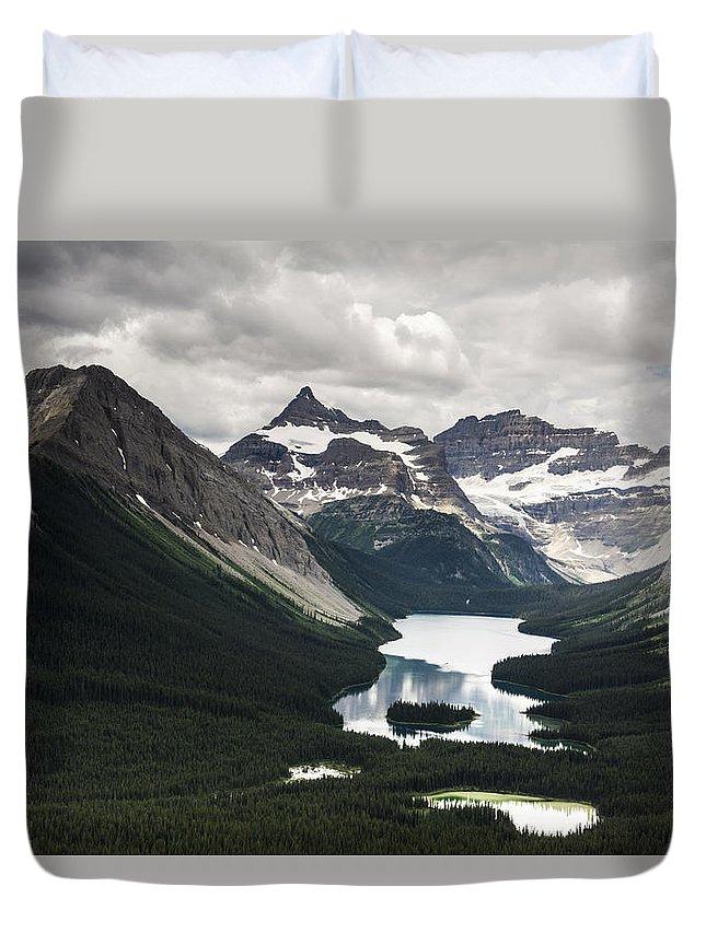 Alberta. Canada Duvet Cover featuring the photograph Assiniboine Vista by Howie Garber