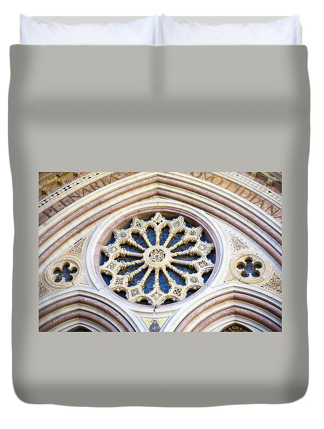 Church Duvet Cover featuring the photograph Assisi Plenaria Design by Marilyn Hunt