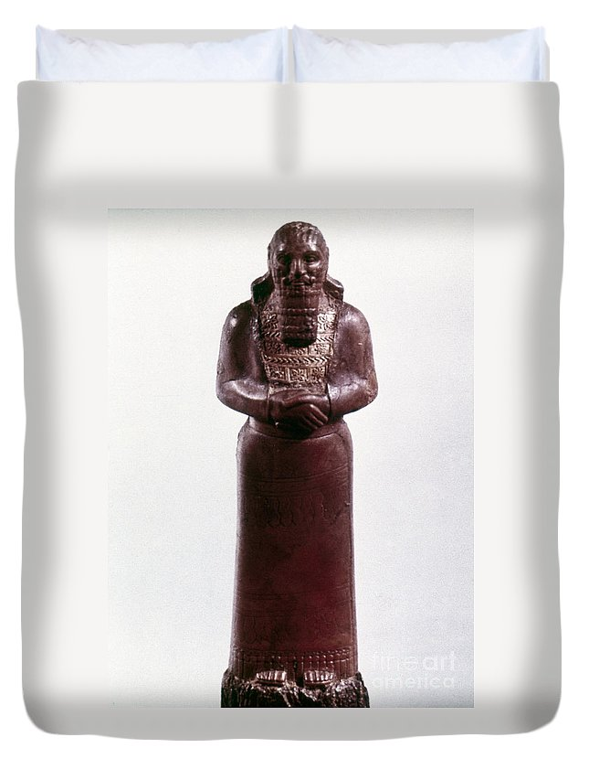 9th Century Bc Duvet Cover featuring the photograph Assyrian Statue by Granger