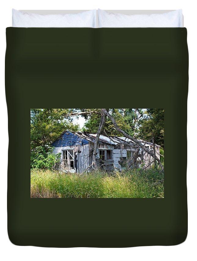 Asure Duvet Cover featuring the photograph Asure Shack by Douglas Barnett
