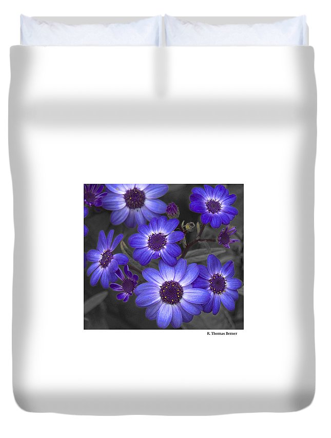 Duvet Cover featuring the photograph Au Naturel by R Thomas Berner