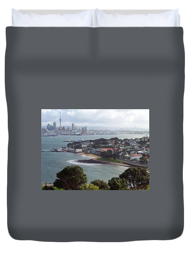 New Zealand Duvet Cover featuring the photograph New Zealand - Picturesque Devonport Beach by Jeffrey Shaw
