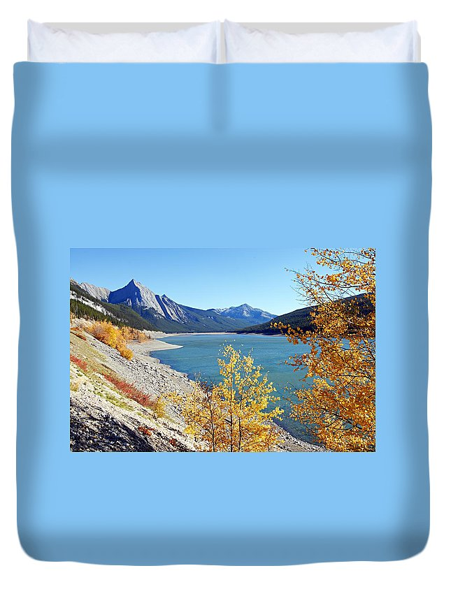 Medicine Lake Duvet Cover featuring the photograph Autumn Medicine by Larry Ricker