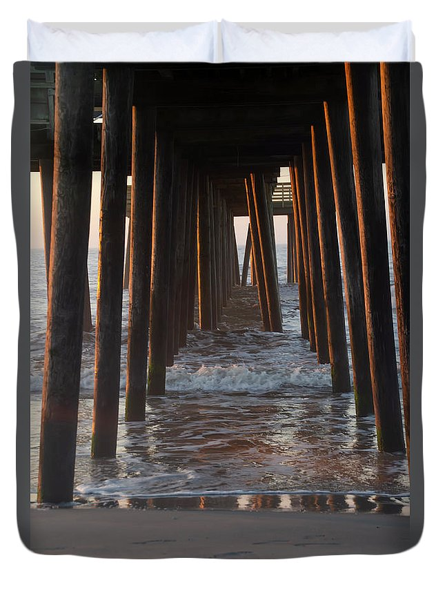 Avalon Duvet Cover featuring the photograph Avalon Pier At 32nd Street by Bill Cannon