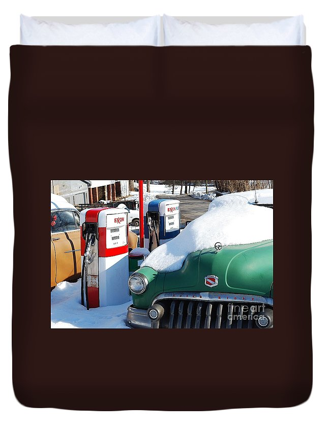 Old Car Duvet Cover featuring the photograph Back In The Day by Todd Hostetter