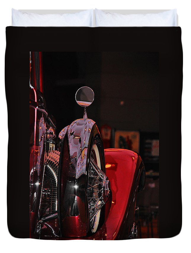 Duesenberg 1932 Car Duvet Cover featuring the photograph Back View Of The King by Susanne Van Hulst