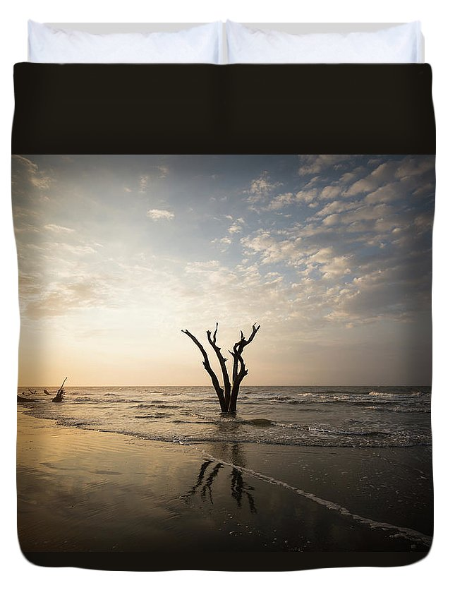 Bulls Island Duvet Cover featuring the photograph Balanced by Ivo Kerssemakers