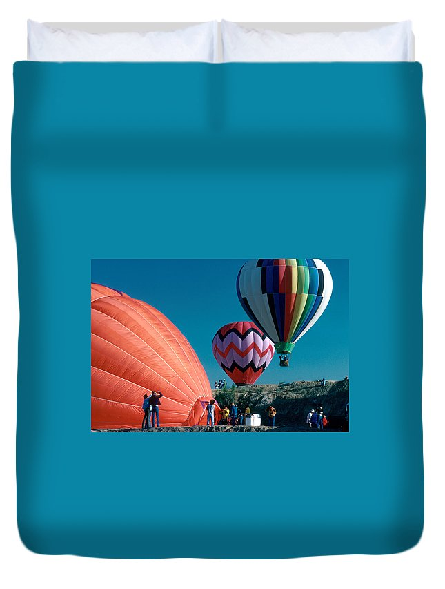 Hot Air Balloon Duvet Cover featuring the photograph Ballon Launch by Jerry McElroy
