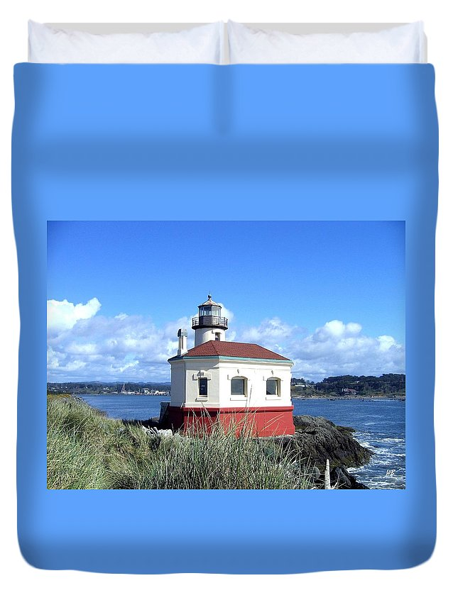 Coquille Lighthouse Duvet Cover featuring the photograph Bandon 1 by Will Borden