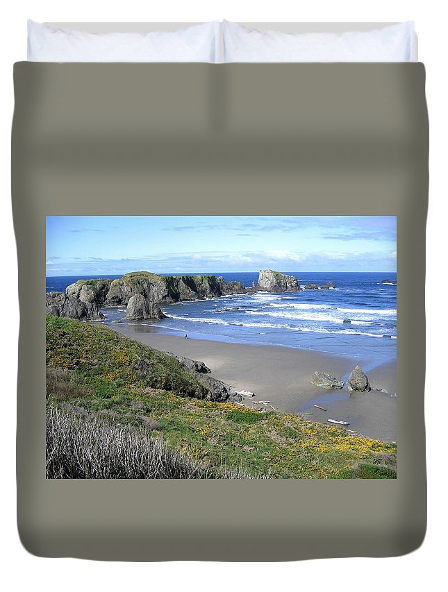 Bandon Duvet Cover featuring the photograph Bandon 8 by Will Borden