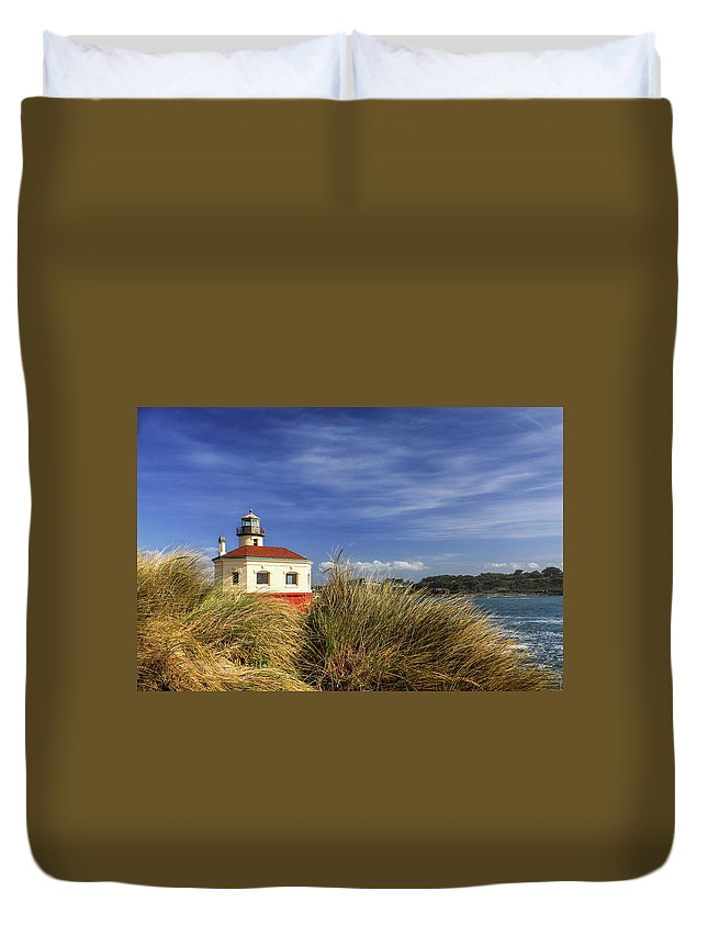 Lighthouse Duvet Cover featuring the photograph Bandon Coquille River Lighthouse by James Eddy