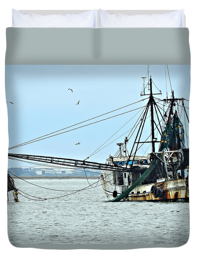 Commercial Duvet Cover featuring the photograph Barely Makin' Way by Laura Ragland