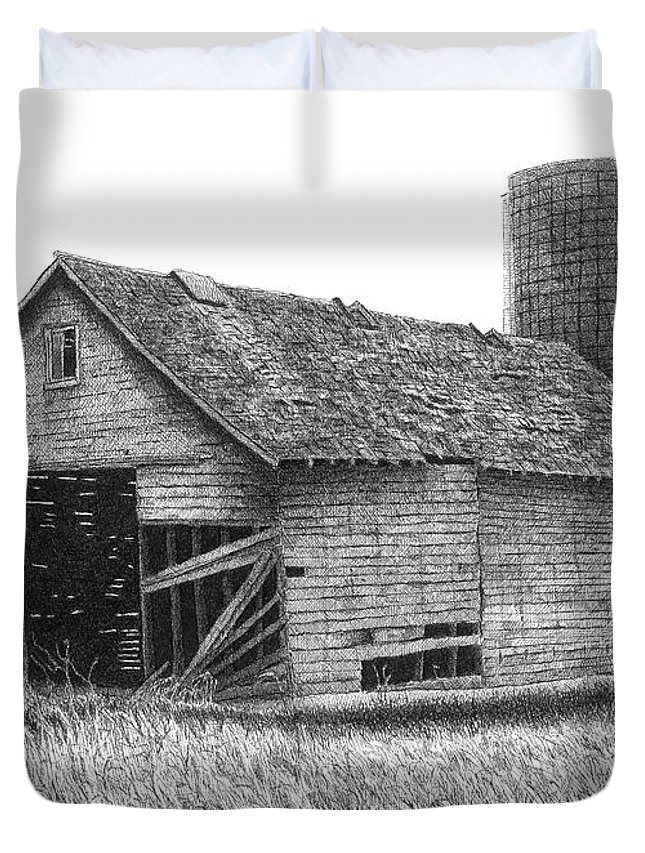 Barn Duvet Cover featuring the drawing Barn 19 by Joel Lueck
