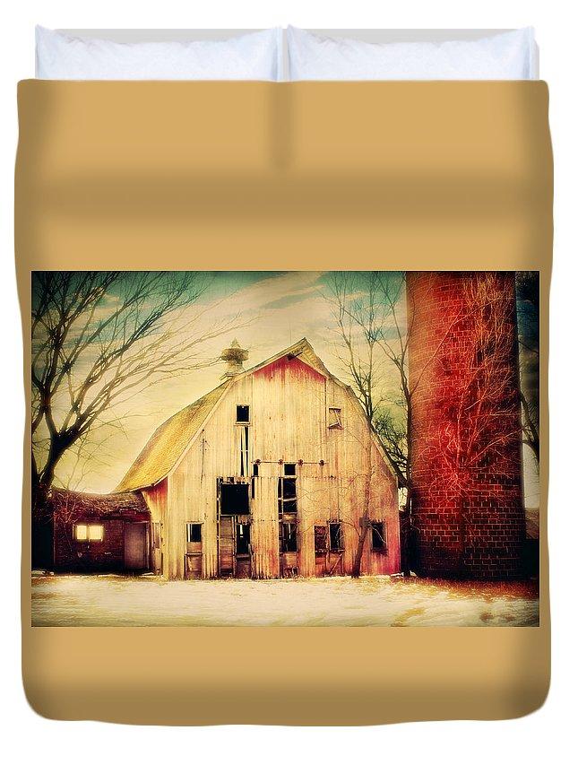 Farm Duvet Cover featuring the photograph Barn For Sale by Julie Hamilton