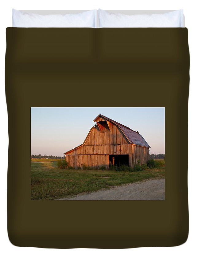 Barn Duvet Cover featuring the photograph Barn At Early Dawn by Douglas Barnett