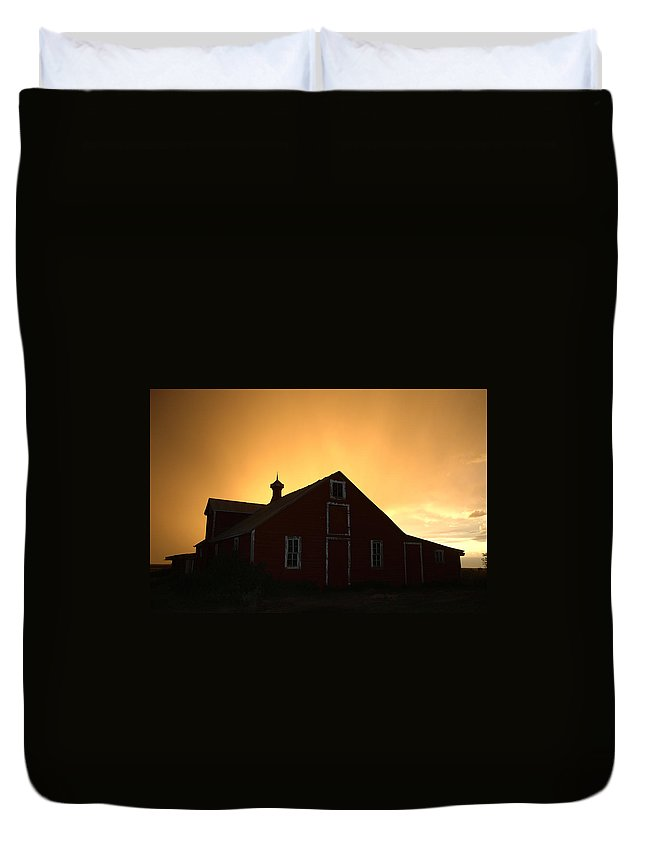 Barn Duvet Cover featuring the photograph Barn At Sunset by Jerry McElroy