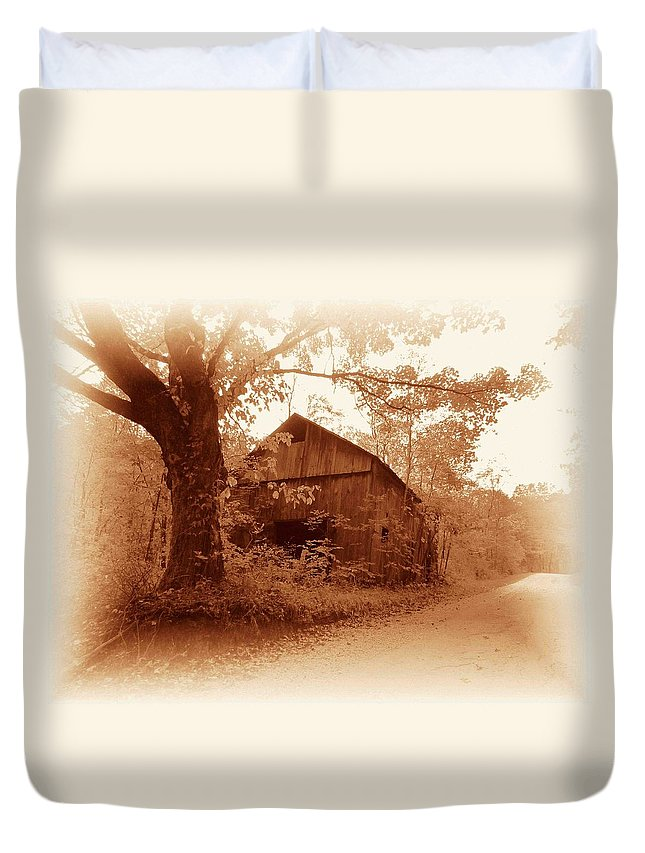 Barn Duvet Cover featuring the photograph Barn Hocking Co Ohio Sepia by Nelson Strong