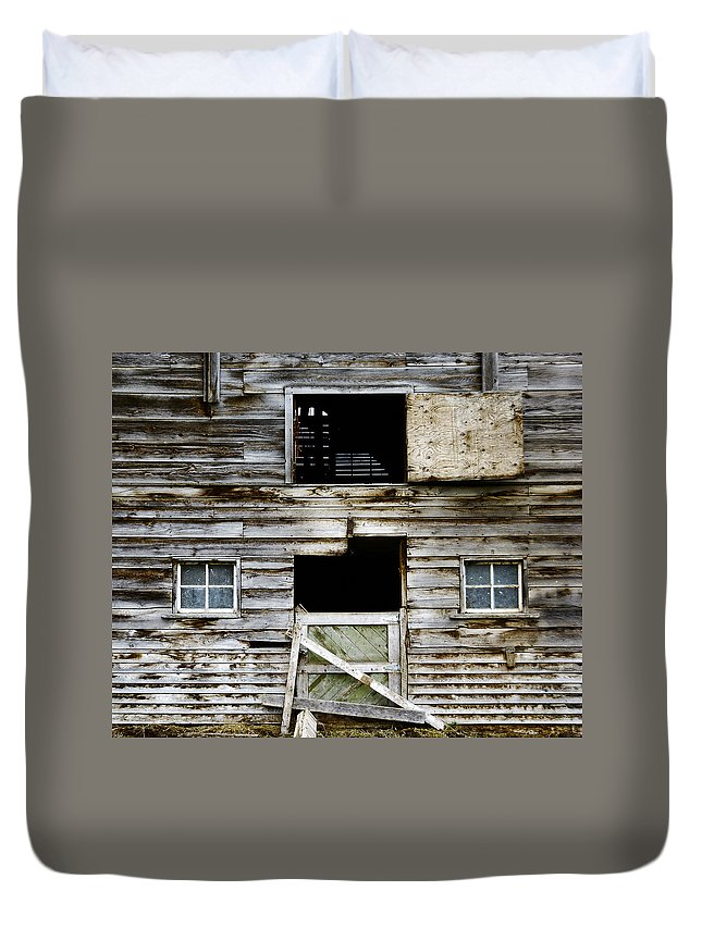 Barn Duvet Cover featuring the photograph Barn Side by Wayne Sherriff
