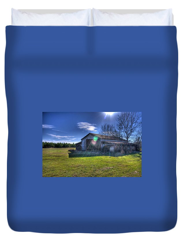 Barn Duvet Cover featuring the photograph Barn With Sun Flare by Rod Cuellar
