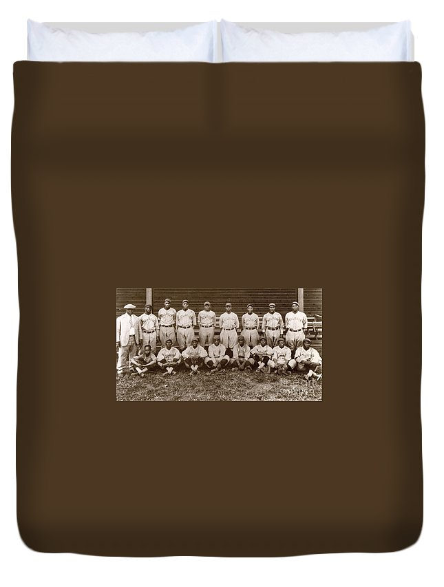 1927 Duvet Cover featuring the photograph Baseball: Negro Leagues by Granger