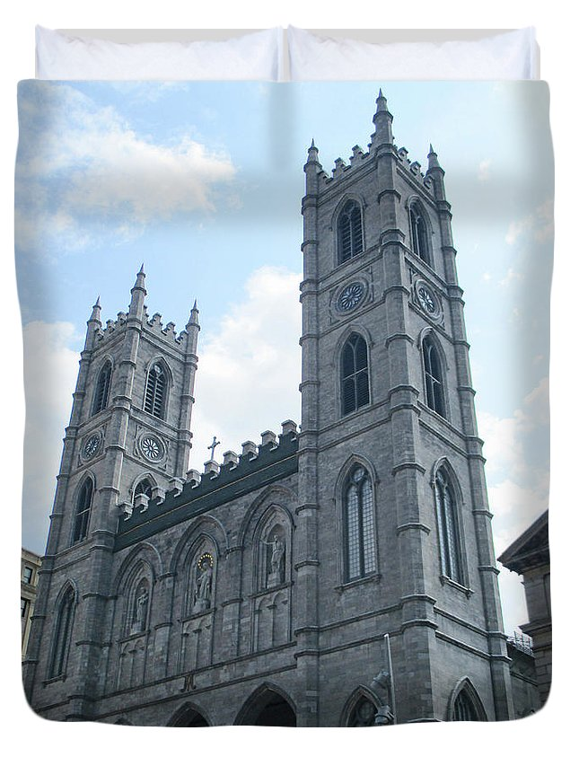 Montreal Duvet Cover featuring the photograph Basilique Notre Dame by Randall Weidner
