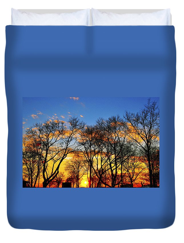 Battery Park Duvet Cover featuring the photograph Battery Park Sunset by Randy Aveille