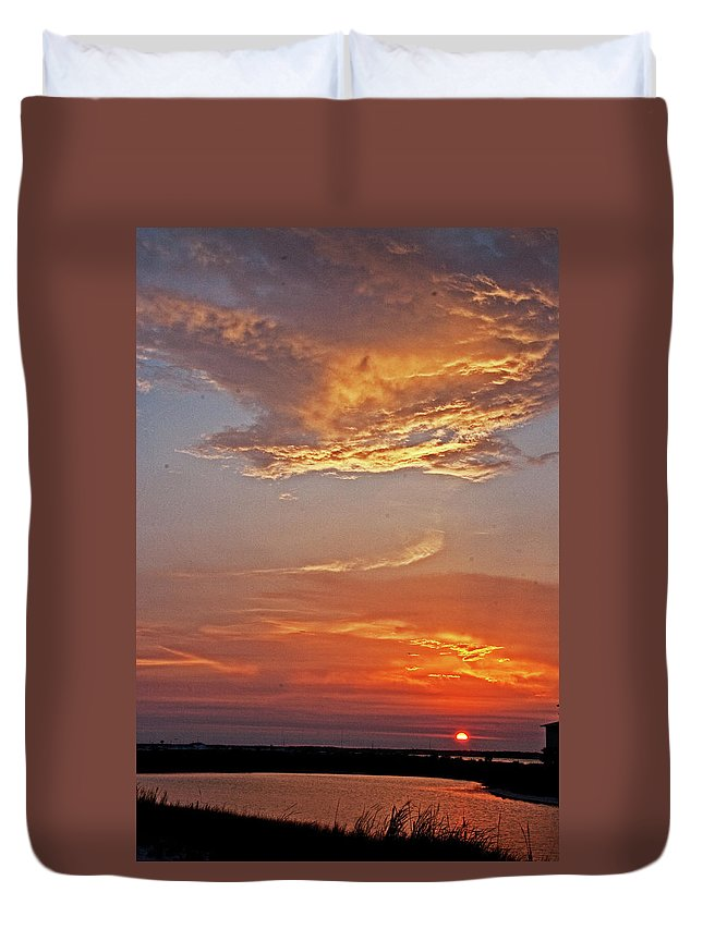 Sunset Duvet Cover featuring the photograph Bay Sunset by David Campbell