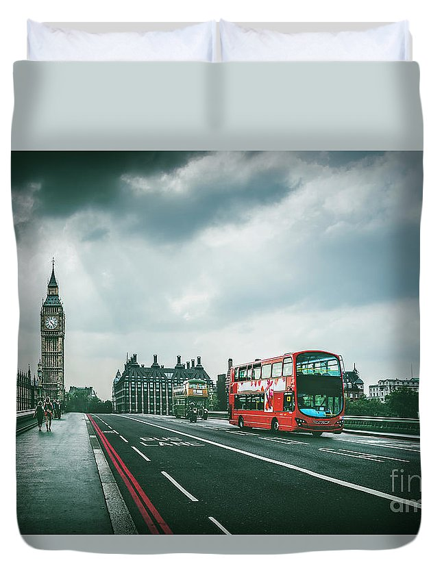 Kremsdorf Duvet Cover featuring the photograph Be Legendary by Evelina Kremsdorf