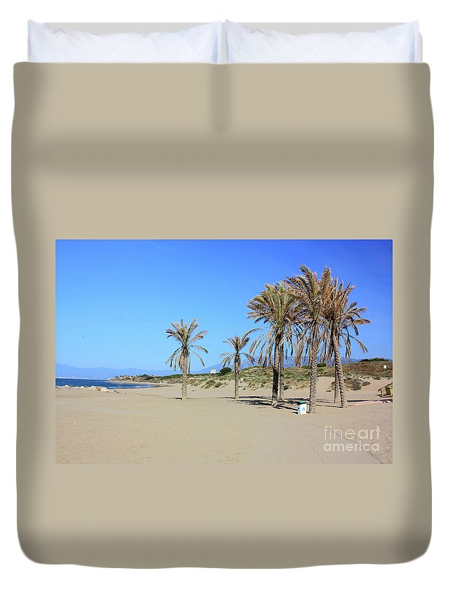 Cabopino Beach Duvet Cover featuring the photograph Beach At Cabopino by Kevin Richardson